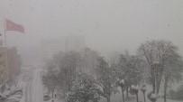 Samsun'daki Yoğun Kar Ve Tipi Hem Çile Hem Eğlence Oldu