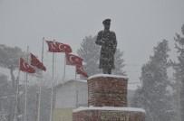 ÇÖKME TEHLİKESİ - Şanlıurfa'da Yoğun Kar Yağışı Etkili Oluyor