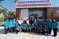 EV TEMİZLİĞİ - Denizli Büyükşehir'in Evde Bakım Hizmetleri Devam Ediyor