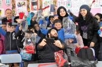 DIŞ MACUNU - Gazi Üniversitesinden İhtiyaç Sahibi Öğrencilere Giysi Yardımı