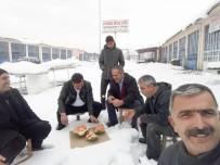 Kar Üstünde Karpuz Keyfi