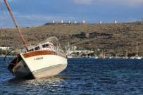 GÜMBET - Karaya Oturan 2 Yüz Bin Liralık Tekne Kaderine Terk Edildi
