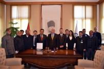 OSMAN GÜRÜN - Muhtarlar'dan Başkan Gürün'e Teşekkür Plaketi