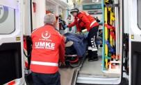 ELEKTRİKLİ BİSİKLET - Otomobil İle Elektrikli Bisiklet Çarpıştı Açıklaması 2 Yaralı