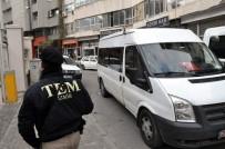 DOĞU TÜRKISTAN - Saldırganla Aynı Evde Yaşadıkları Değerlendiriliyor