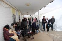 ÖNCÜPINAR - Suriyelilerin Bir Kısmı Ülkelerine Dönüyor