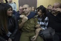 ASKERİ MAHKEME - Yaralı Halde Yerde Yatan Filistinli Genci Öldüren İsrail Askeri Hakim Karşısında