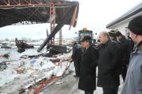 MEHMET KARATAŞ - Akşehir'de Pazar Yerinin Çatısı Çöktü Açıklaması 4 Yaralı