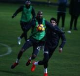 SAĞANAK YAĞMUR - Beşiktaş, Kondisyon Çalıştı