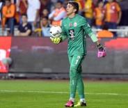 SERÇE PARMAĞI - Galatasaray Kalesine Sakatlık Laneti Çöktü