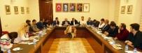 Gümrükçüoğlu, AK Partili Gençler İle 'Referandum'u Konuştu