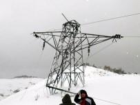 ELEKTRİK DİREĞİ - Kar Elektrik Direğini Kırdı