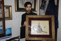 MAHMUT ŞAHIN - Kütahyalı Genç Hattat, Şehit Astsubay Ömer Halisdemir'in Tuğrasını Çekti