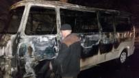 Minibüs Alev Aldı, Sürücü Canını Zor Kurtardı