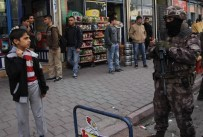 BELEDIYE OTOBÜSÜ - Terör Yuvalarına 600 Polisle Uygulama