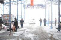 PAZAR ESNAFI - Balkanların En Büyük Pazarını Soğuk Hava Vurdu