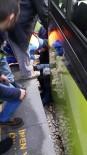 VAGON - Bursa Metrosunda Can Pazarı...O Anlar Güvenlik Kamerasına Yansıdı (ÖZEL HABER)