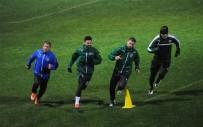 HARUN TEKİN - Bursasporlu Futbolcular Su Üstünde Şov Yaptı