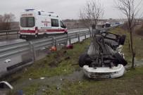 Buzlanmayla Gelen Kaza Açıklaması 3 Yaralı