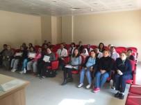 SAĞLIK ÇALIŞANLARI - Ezine Devlet Hastanesi'nde Mezuniyet Heyecanı
