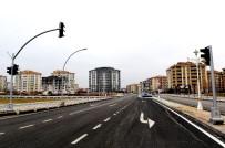 AYDINLATMA DİREĞİ - Fahri Kayahan'ın Çehresi Değişti