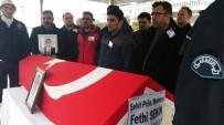 EROL AYYıLDıZ - Kahraman Trafik Polisine Yağmur Altında Hüzünlü Veda