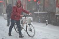 SAĞANAK YAĞMUR - Kar Yağışı Hayatı Olumsuz Etkiledi