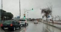 SAĞANAK YAĞMUR - Lapseki'de Yağmur Etkili Oldu