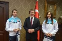 İLYAS ÇAPOĞLU - Rektör Çapoğlu, Avrupa 3.'Sü Olan Badminton Takımını Ödüllendirdi