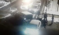 POLİS ARACI - Uyuşturucu Tacirleri Böyle Yakalandı