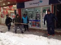 İŞ MAKİNASI - Biga Belediyesi Ekiplerinin Karla Mücadelesi Sürüyor