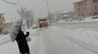 Düzce Belediyesinin Karla Mücadelesi Sürüyor