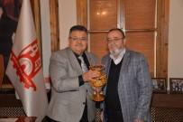 Fabrika Sahibi Uz'dan Başkan Yağcı'ya Ziyaret