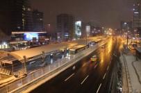 EVE DÖNÜŞ - İstanbullular Evlerine Kapanınca Yollar Boş Kaldı
