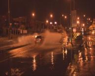 SAĞANAK YAĞMUR - İzmir Yağmura Teslim