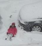 Kar Yağışı En Çok Çocukları Sevindir