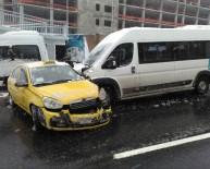 TAKSİ ŞOFÖRÜ - Karda Kalan Taksi Şoföründen İlginç Yöntem