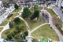 HERCAI - Sabri Yalım Parkına 4 Bin Adet Menekşe Yerleştirildi