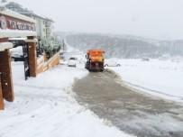 KAR KÜREME ARACI - Tuzla Belediyesi, Karla Mücadele Çalışmalarını Aralıksız Sürdürüyor