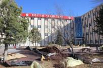 ERCIYES ÜNIVERSITESI - Üniversitenin Çatısı Uçtu Açıklaması 4 Yaralı