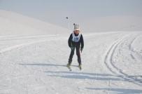 Yüksekova'da 'Kayaklık Kuşu' Yarışması