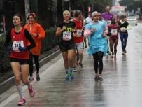 ÇUKUROVA ÜNIVERSITESI - 7. Uluslararası 5 Ocak Adana Kurtuluş Yarı Maratonu Ve Halk Koşusu Başladı