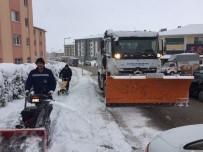 Adapazarı Belediyesi Kar Çalışmalarına Devam Ediyor