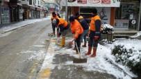 Akçakoca Belediyesinin Karla Mücadelesi Sürüyor