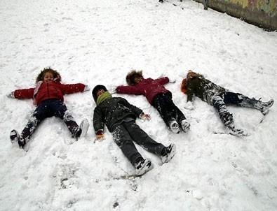 Eğitime kar engeli... Hangi illerde okullar tatil?