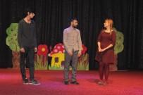 ÇOCUK OYUNU - Elazığ'da 'Şarlo Mutlu' Tiyatro Oyunu Sahnelendi