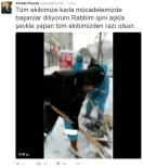 ÇEKMEKÖY BELEDİYESİ - İşçiler Hem Türkü Söyledi Hem Kar Temizliği Yaptı