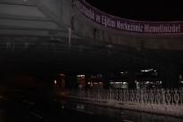 BUZ SARKITLARI - İstanbul'da Kar Yağışı Etkisini Kaybetti