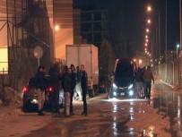GİZLİ BUZLANMA - İzmir'de 7 Araç Birbirine Girdi