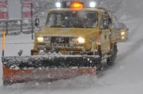 KAR KÜREME ARACI - Kdz. Ereğli Belediyesi 31 Mahallede Karla Mücadele Ediyor